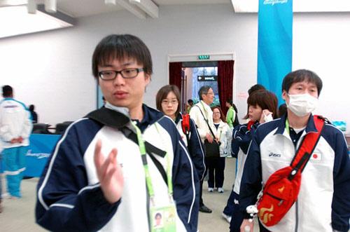 日本队进入赛场