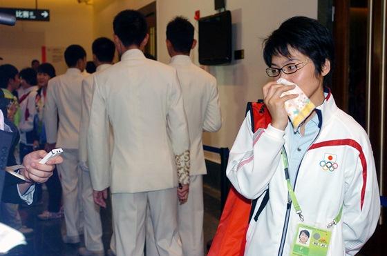 日本女将赛后流泪