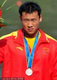 中国选手周鹏摘银