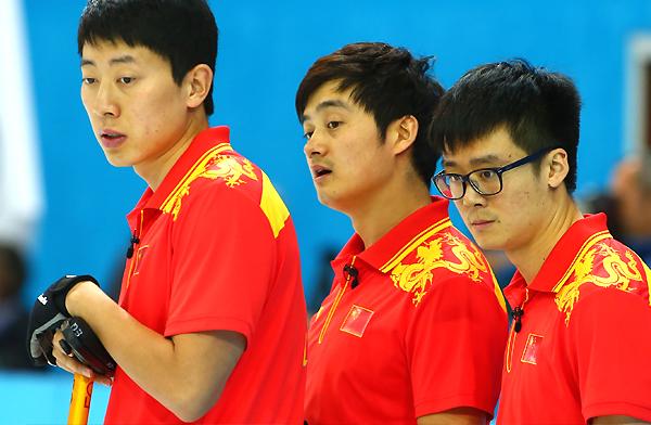 聚焦中国男子冰壶队四型男