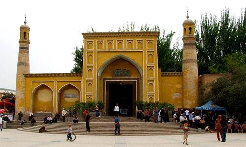 新疆喀什解放北路的艾提尕尔清真寺。