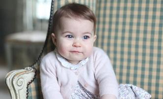 小公主夏洛特可爱萌照