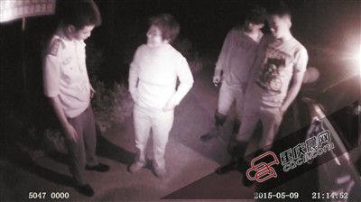 9日晚,民警发现一名迷路女子。