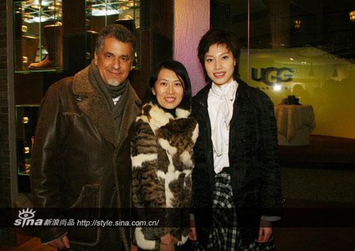 UGG Australia营运总裁Mr.Zohar Ziv,UGG Australia品牌总监梁嘉丽小姐和世界羽毛球冠军